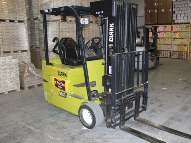 Used Electric Forklifts & Used Lift Trucks | KMH Fleet Solutions